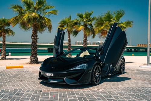 Rent McLaren 570S Spider In Dubai 1