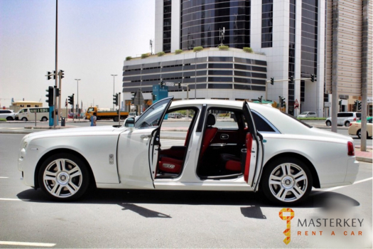 Rent Rolls Royce Ghost 9