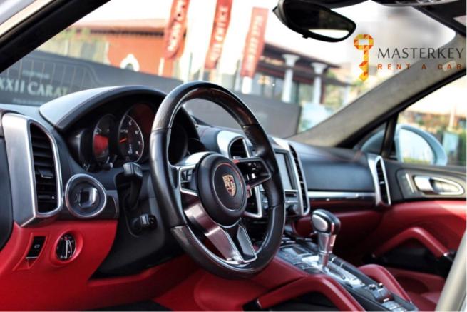 Porsche Cayenne GTS 2017 2