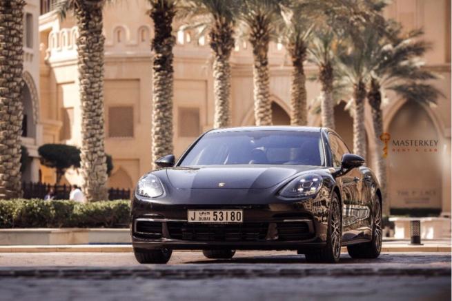 Porsche Panamera GTS - 2017 1