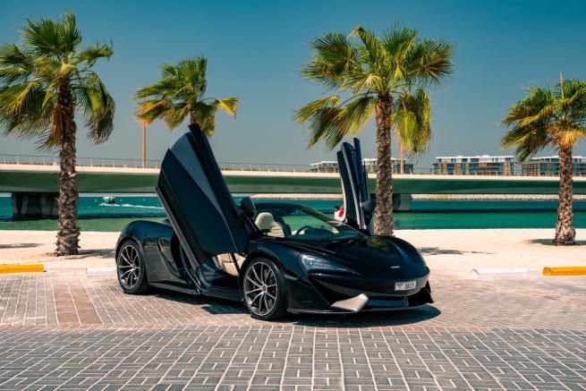 McLaren 570S Spider Черный 3