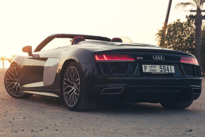 Audi R8 Spyder Rental 2