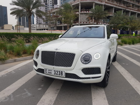 Bentley Bentayga - 2018 1