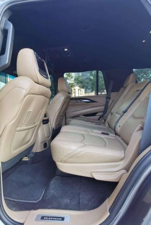 Cadillac Escalade 5