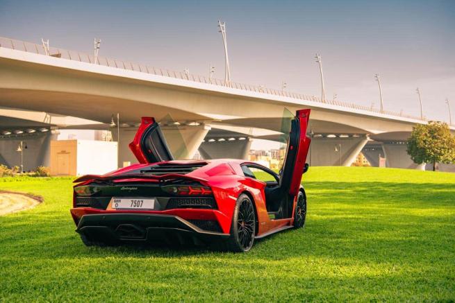 Lamborghini Aventador S 15