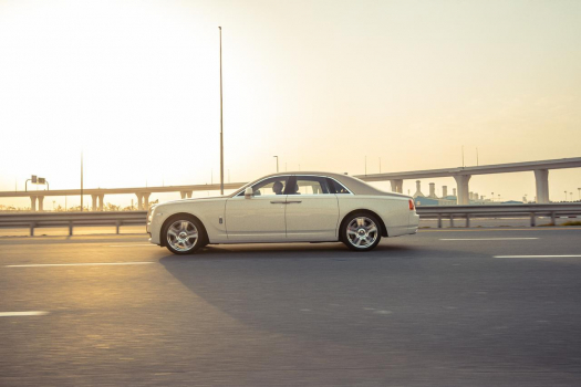 Rent Rolls Royce Ghost 5