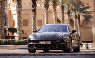 Porsche Panamera GTS - 2017
